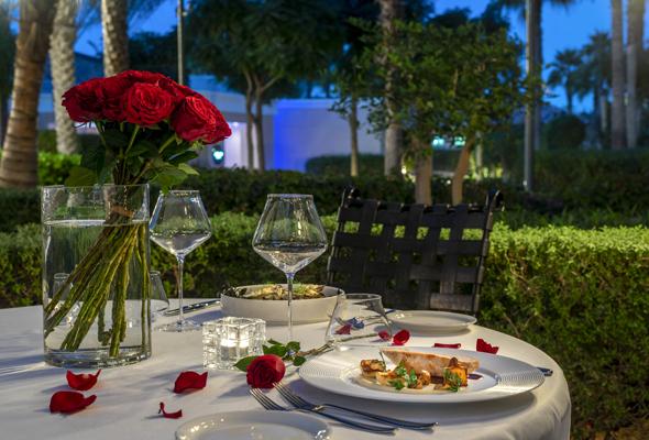 وجبة إيطالية رومانسية لشخصين
