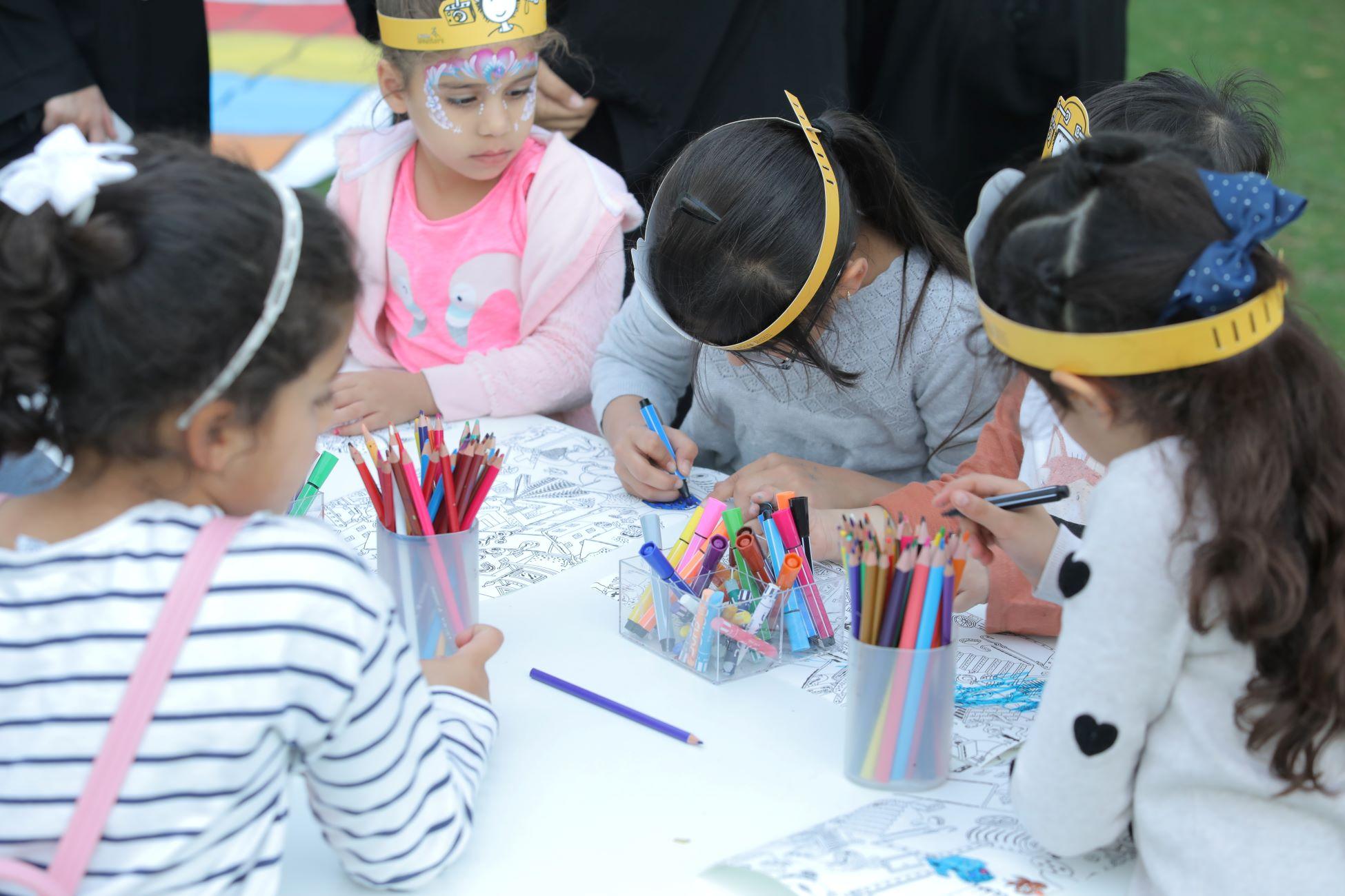 فعاليات الدورة السادسة من بينالي الشارقة للأطفال 2019 Thursday Fun Day