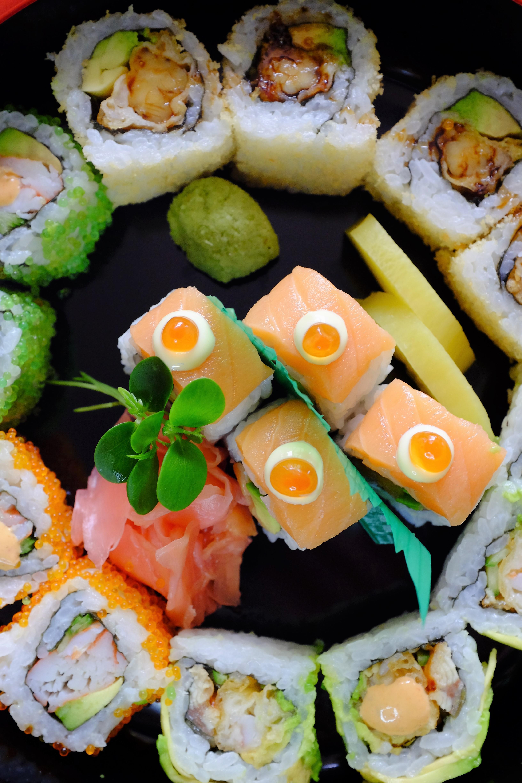 مطعم دراغونز بلايس يقدم عرض السوشي والساشيمي بلا حدود