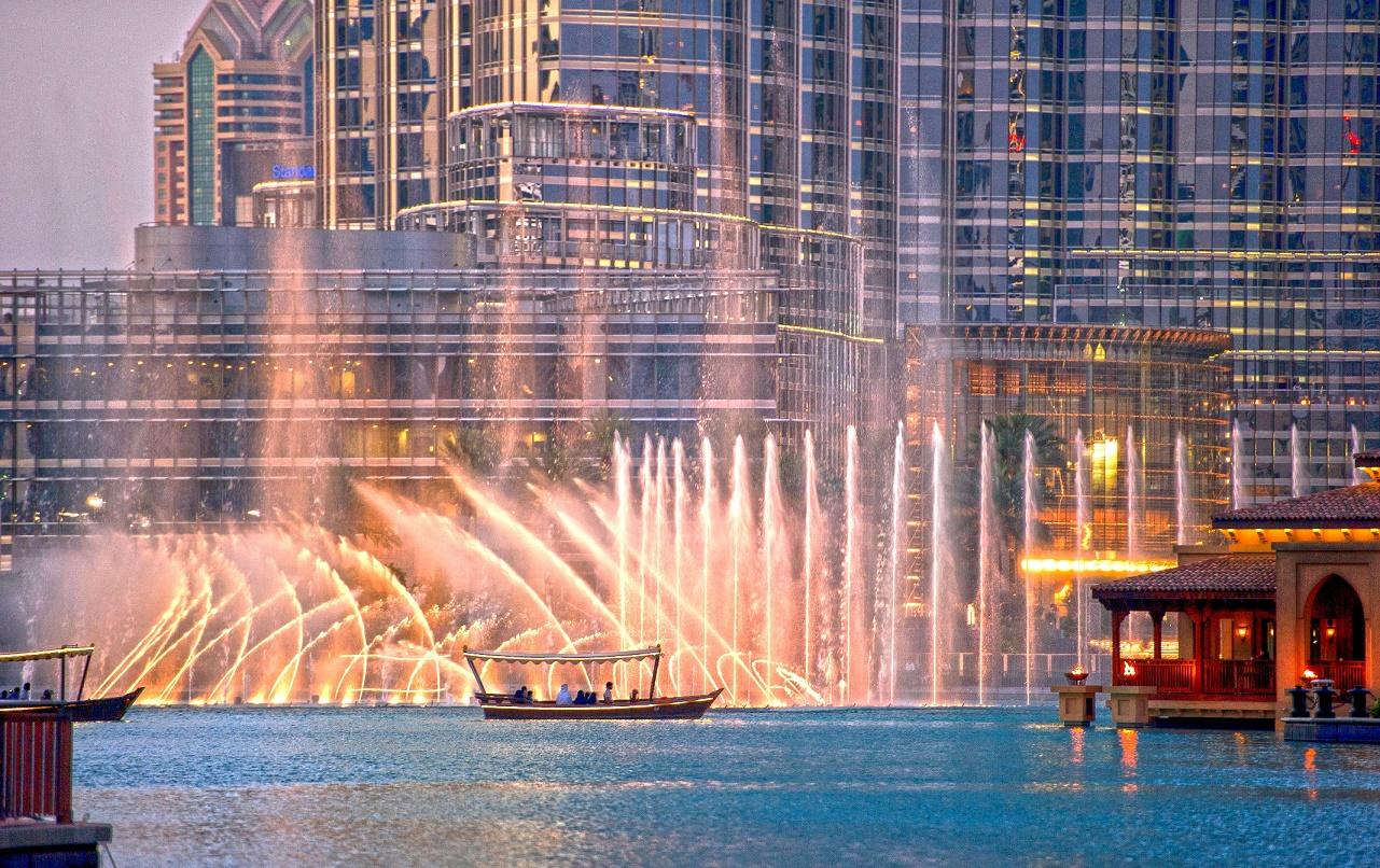 دبي للسياحة تطلق منصّة سوق المعالم الترفيهية الإلكترونية