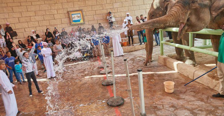 حديقة الإمارات للحيوانات تحتفل بيوم الطفل الإماراتي