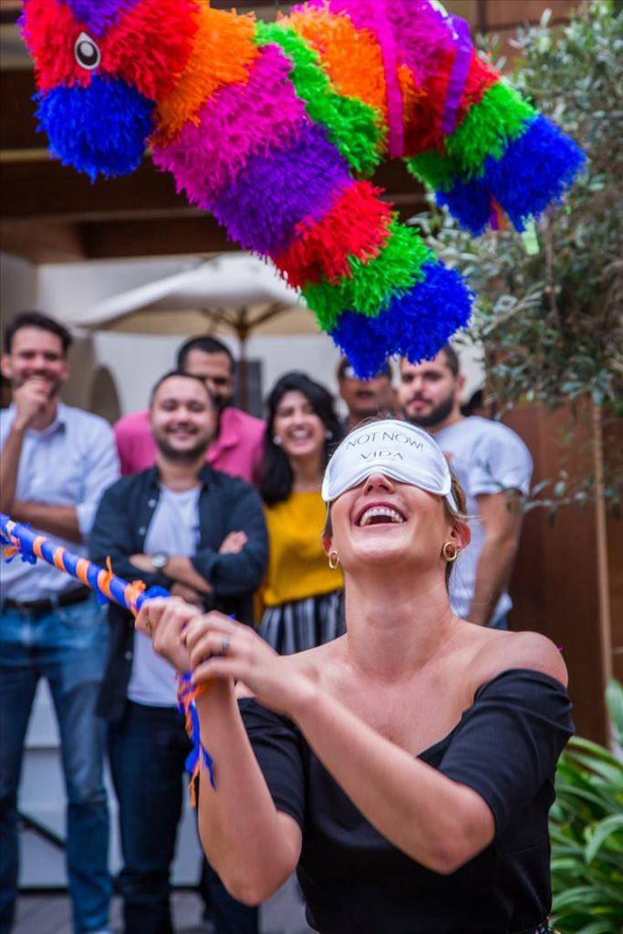 فيدا وسط المدينة يقدم عرضاً رائعاً للمحتفلين بعيد ميلادهم