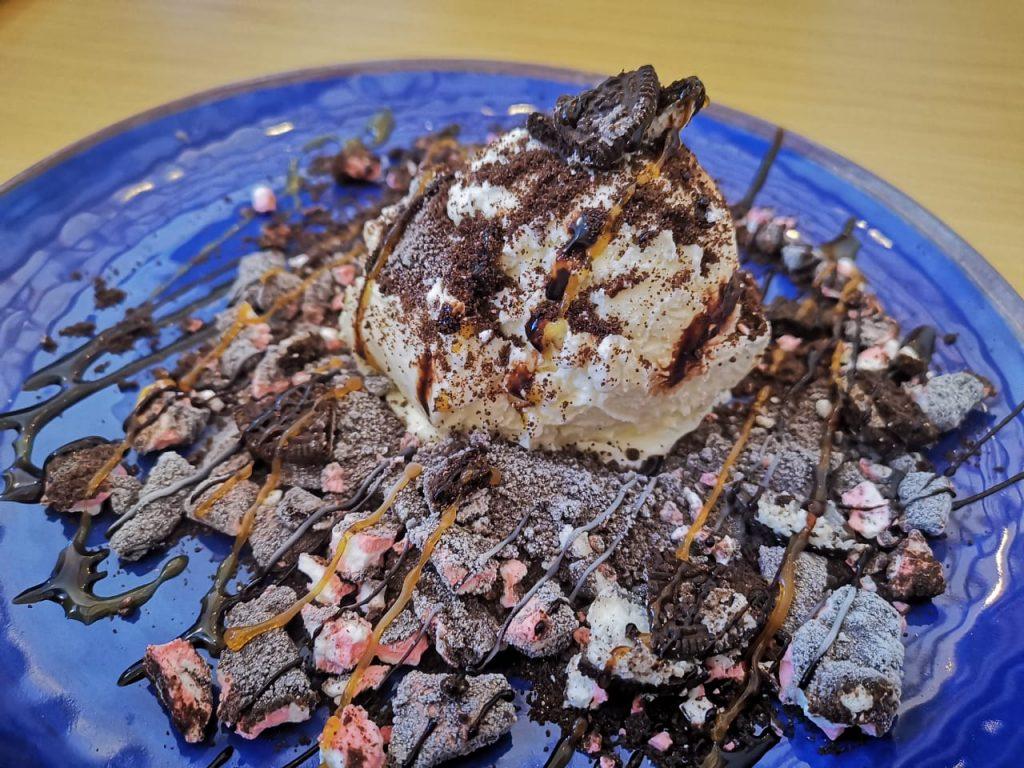 سكوبي كافيه تجربة مثالية في عالم الحلويات بدبي