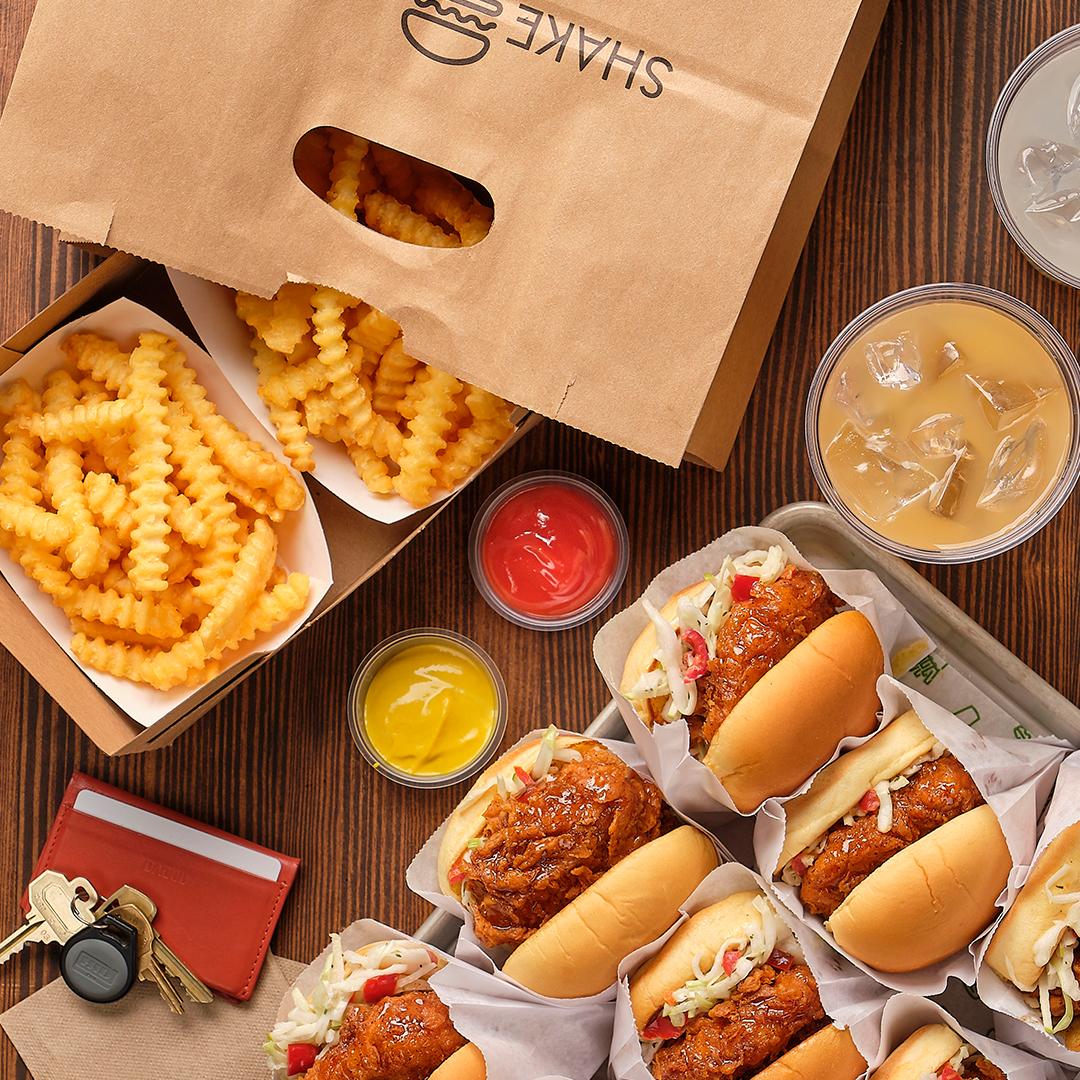 مطعم شيك شاك يقدم برغر دجاج لا يصدق خلال رمضان 2019