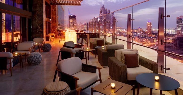 لاونج توينتي ثري تجربة جديدة في فندق جراند بلازا موڤنبيك دبي