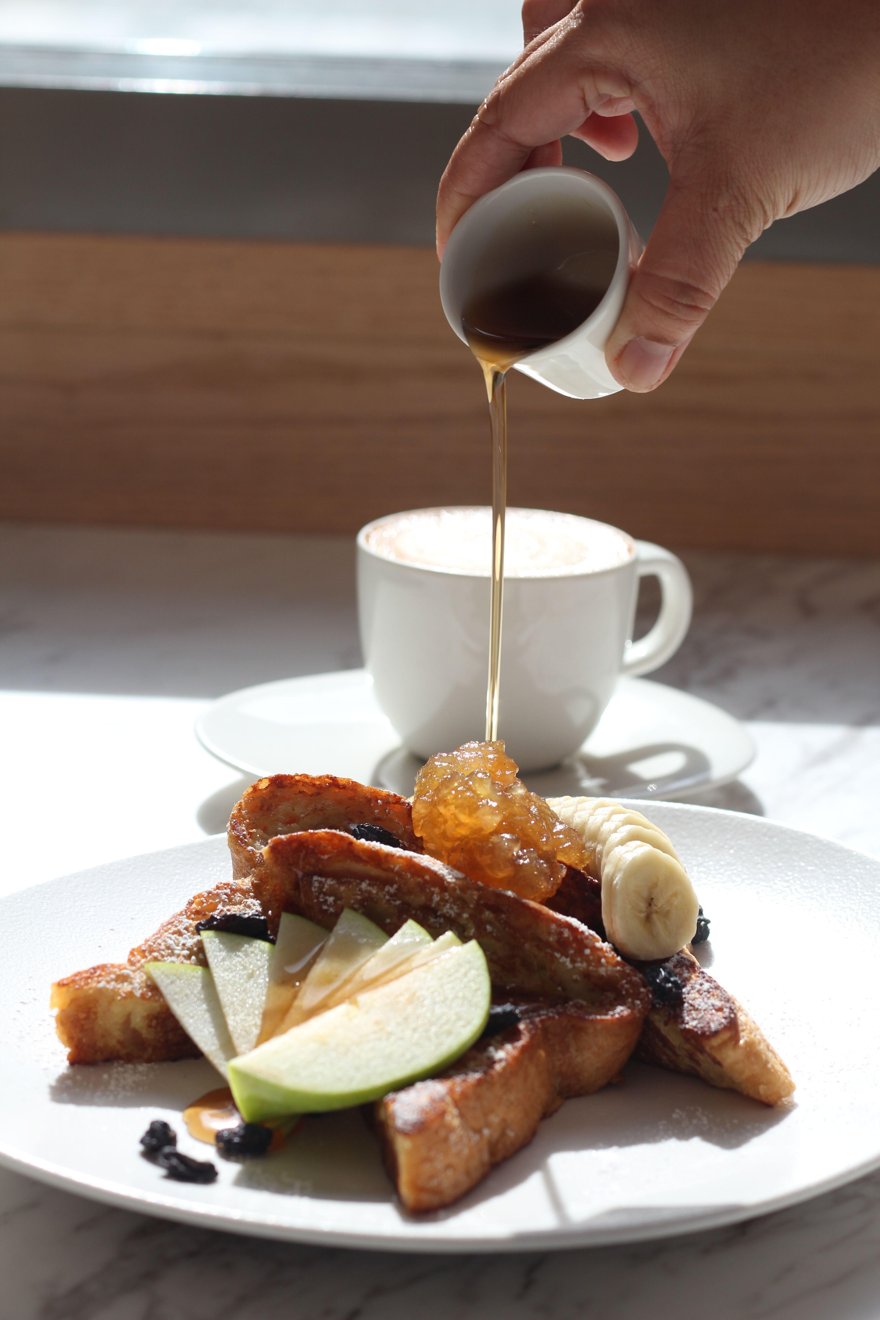 مطعم ومخبز سارابيث يقدم قائمة فطور شهية من الصباح حتى المساء