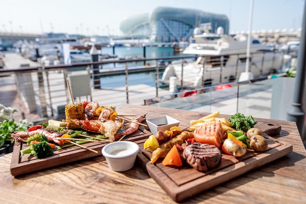 عروض مطاعم ياس مارينا بمناسبة بطولة العالم لسباقات الرالي كروس