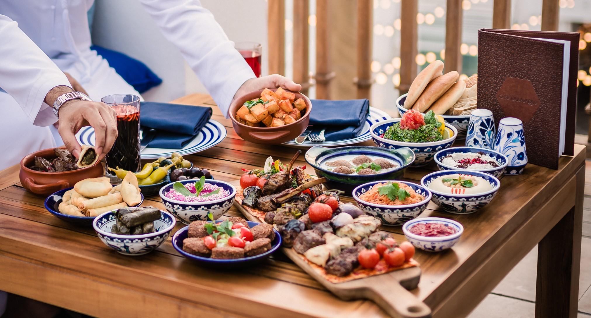 عروض الإفطار و السحور الرمضاني في مطعم كافيه أرابيسك دبي