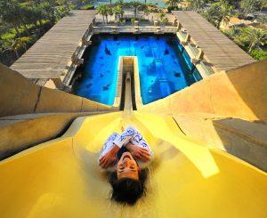 أتلانتس النخلة في دبي يكرم ضيوفه ببطاقة اليومين