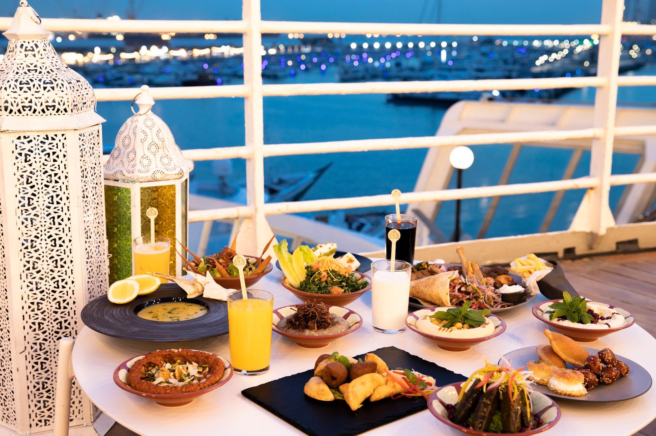 عروض شهر رمضان الكريم في سفينة كوين إليزابيث 2