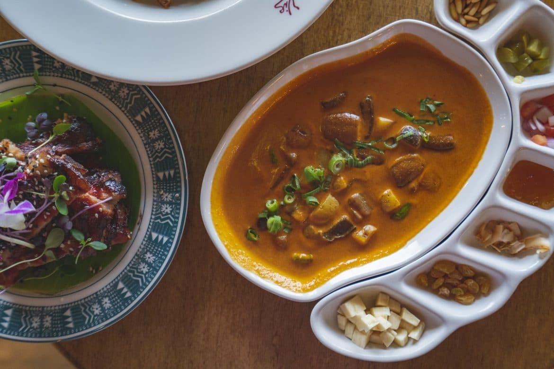 مطعم ترايدر فيكس جي بي آر يضيف أطباق نباتية متنوعة إلى قائمة طعامه