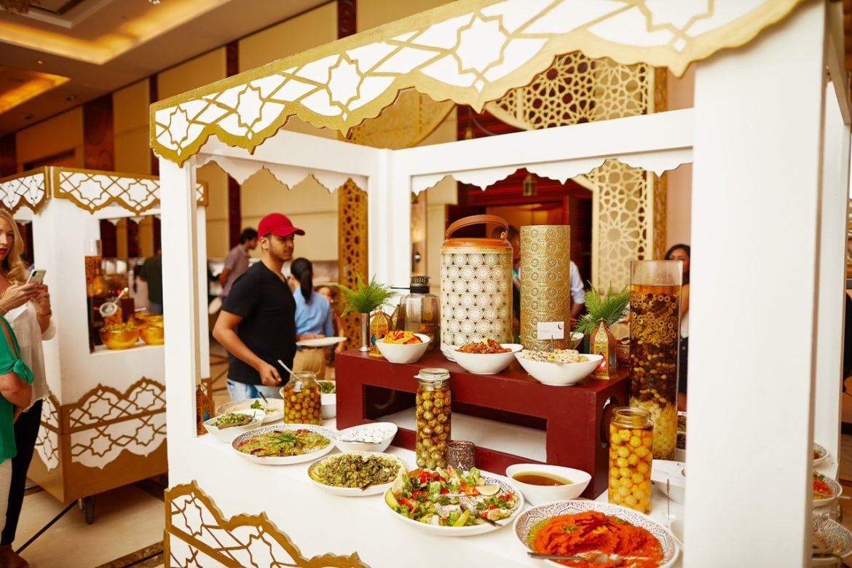إحتفاءاً بشهر رمضان المبارك 2019يقدم فندق ومنتجع ويستن دبي الميناء السياحي في تجارب إفطار و سحور فاخرة في قاعة وتراس سيردال .