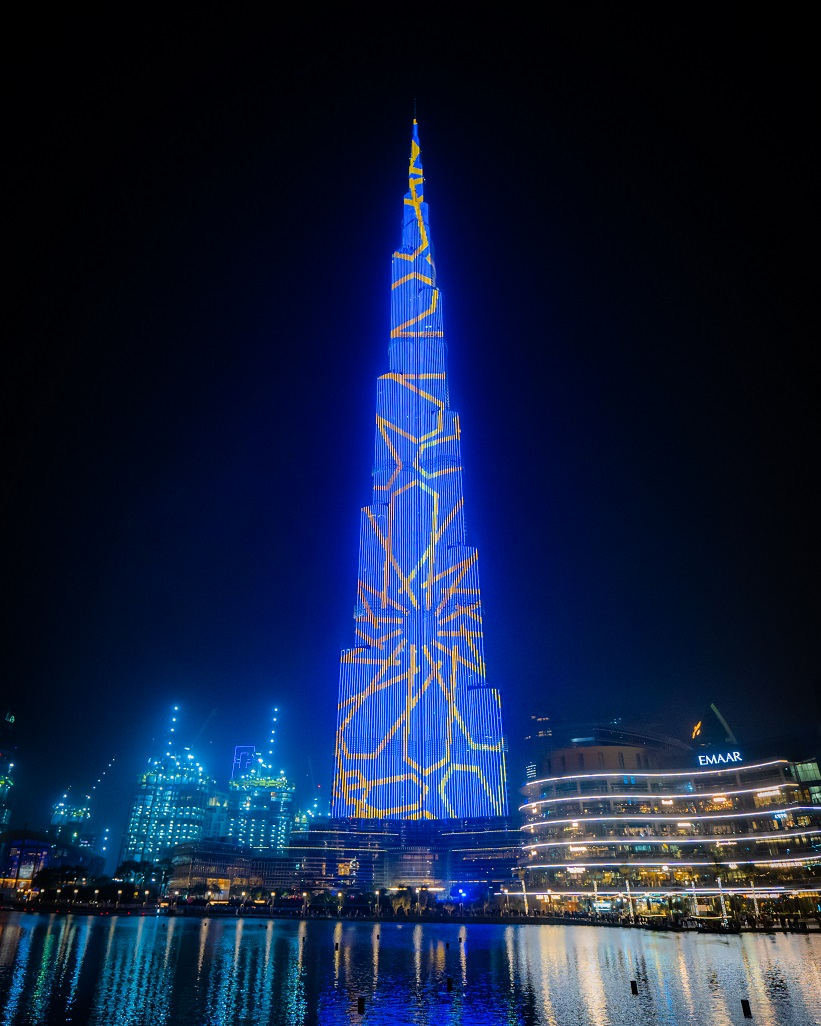 برج خليفة يحتفل بحلول شهر رمضان المبارك على طريقته الخاصة