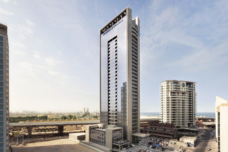 فندق تريب باي ويندام دبي وفندق ويندام دبي مارينا يحتفلان بيوم الصديق المفضل