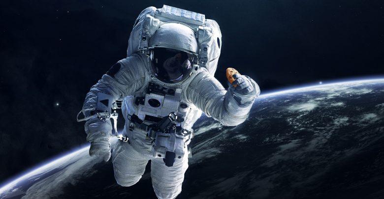 دبل تري باي هيلتون يقدم لضيوفه فرصة التلذد ببسكويت مخبوز بالفرن في الفضاء