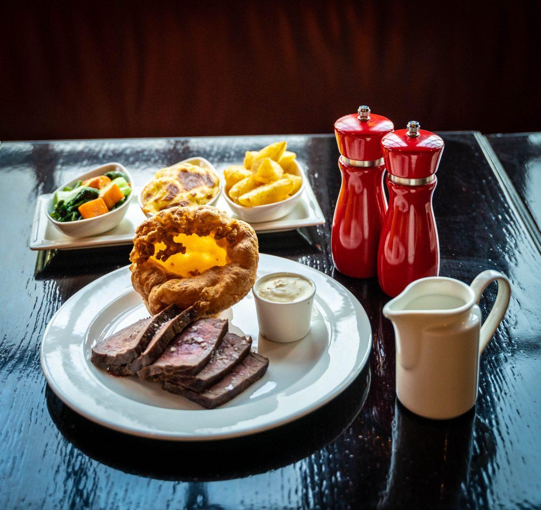 مطعم ذا لايون يقدم أشهى الأطباق التقليدية المشوية بأسعار لا تصدق