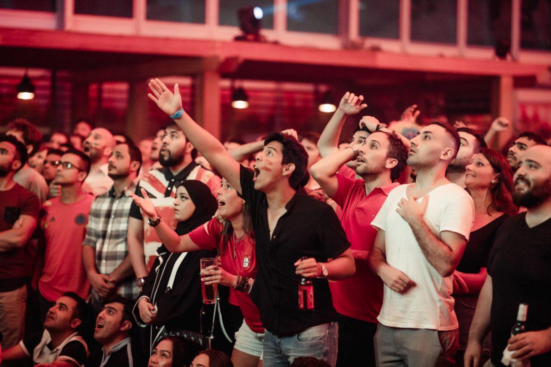 لا تفوتوا متابعة مباريات بطولات الدوري الإنكليزي الممتاز في نادي باراستي