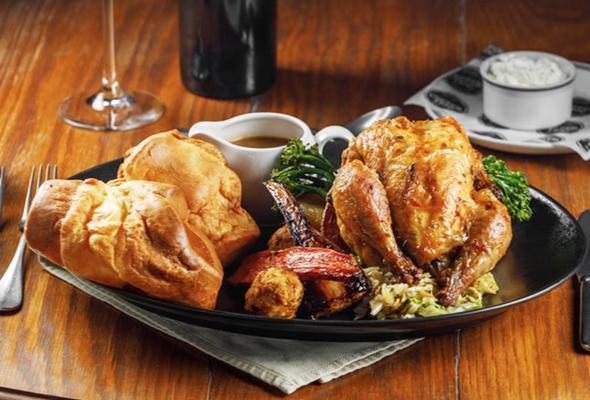 3 مطاعم في دبي تقدم يومياً ألذ المشويات على وجبة العشاء