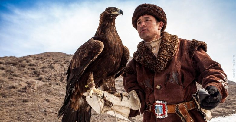 لا تفوتوا إختبار رياضة الصقور الملكية في كازاخستان
