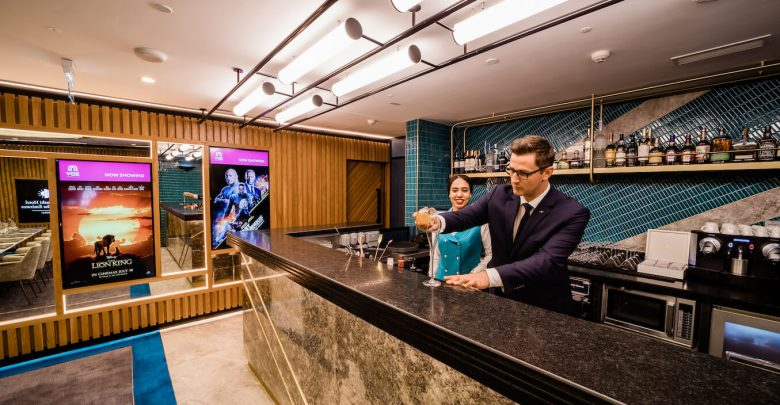 فندق كمبينسكي مول الإمارات يحتضن صالة سينمائية فريدة من نوعها في دبي