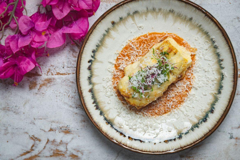 إستمتعوا بوجبة برانش على طريقة سانتوريني في مطعم أوبا دبي