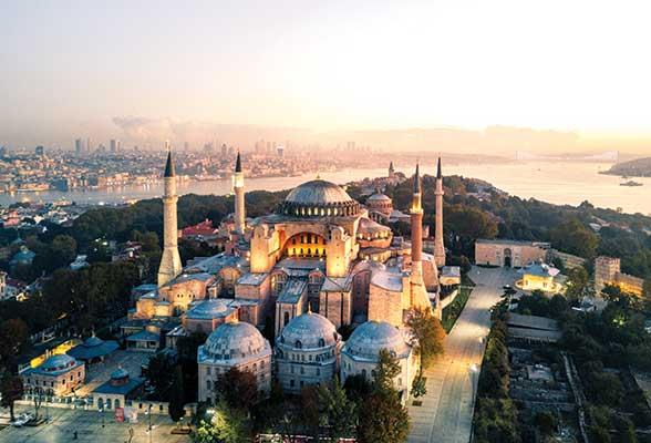 وجهات يمكنك السفر إليها من دبي بأقل من 2000 درهم هذا الصيف