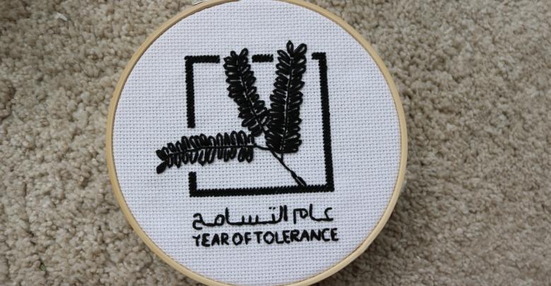 فنانة عربية مقيمة في دبي تصمم أعمال فنية إحتفاءاً بعام التسامح