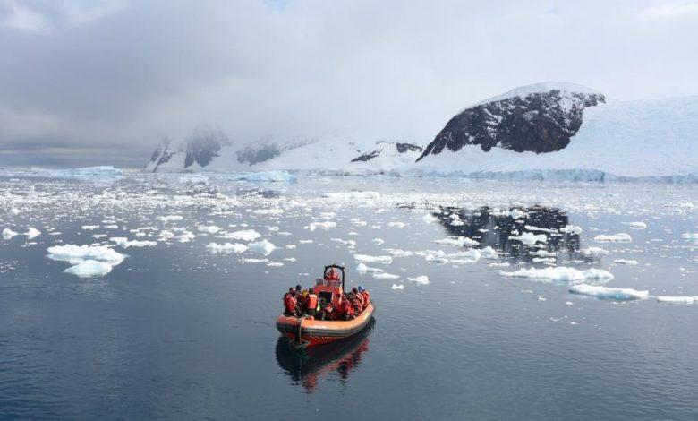 شركة Airbnb توفر رحلة مجانية للجميع من دبي إلى القارة القطبية الجنوبية