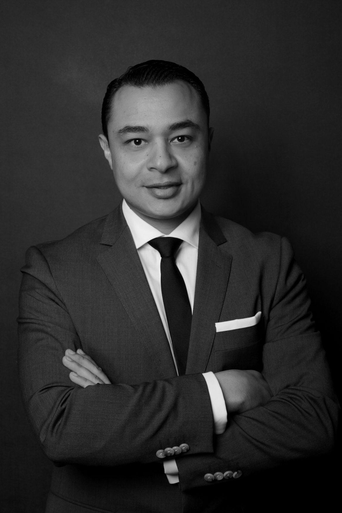السيد أحمد النواوي مدير فندق وشقق العنوان فاونتن فيوز بدبي
