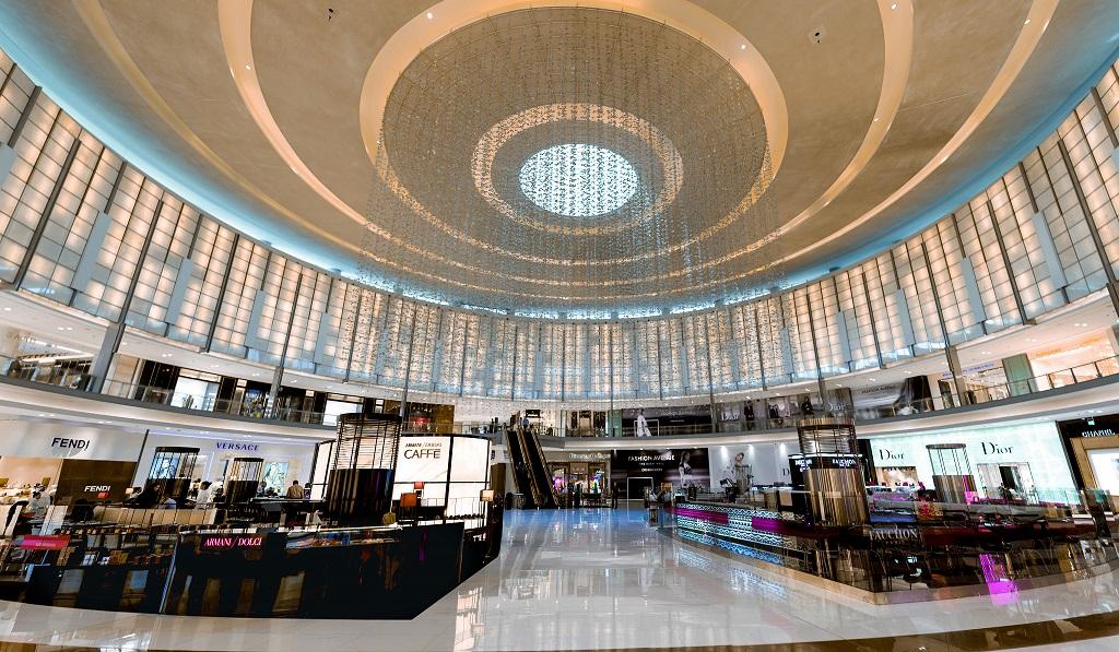 إستكشف احدث أزياء موسم الخريف في دبي مول للفوز بأميال مضاعفة من سكاي واردز