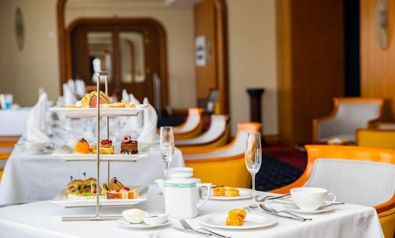 سفينة كوين إليزابيث 2 تجربة وجبة شاي بعد الظهر الاستثنائية