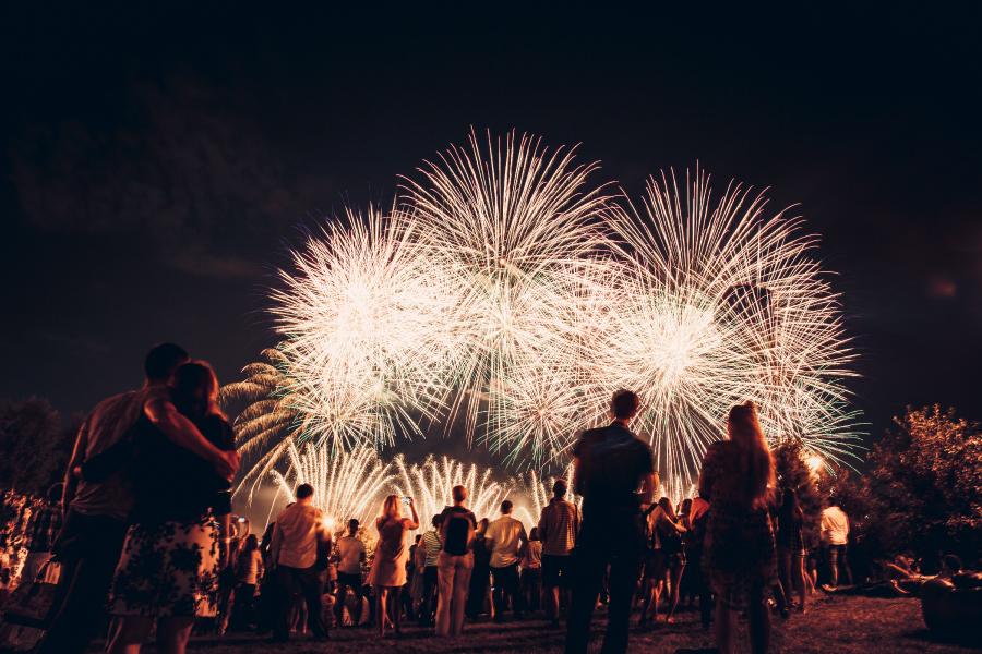 الألعاب النارية في ياس مارينا