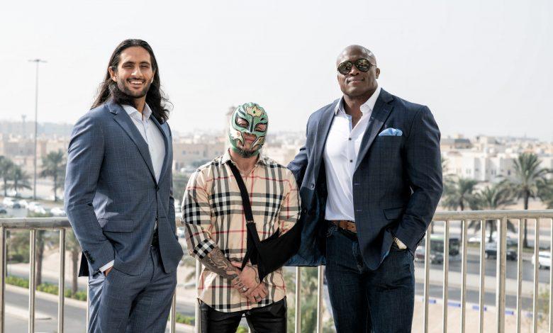 Mansoor, Rey Mysterio, Bobby Lashley (1)