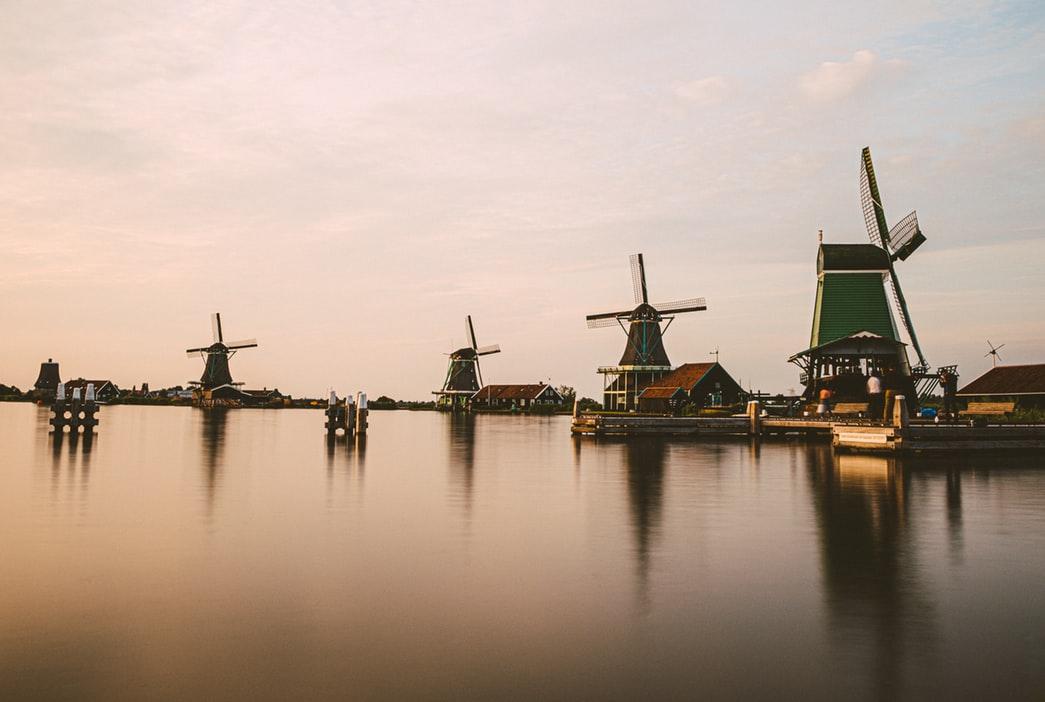سحر السياحة في هولندا مع فندق كونسرفاتوار