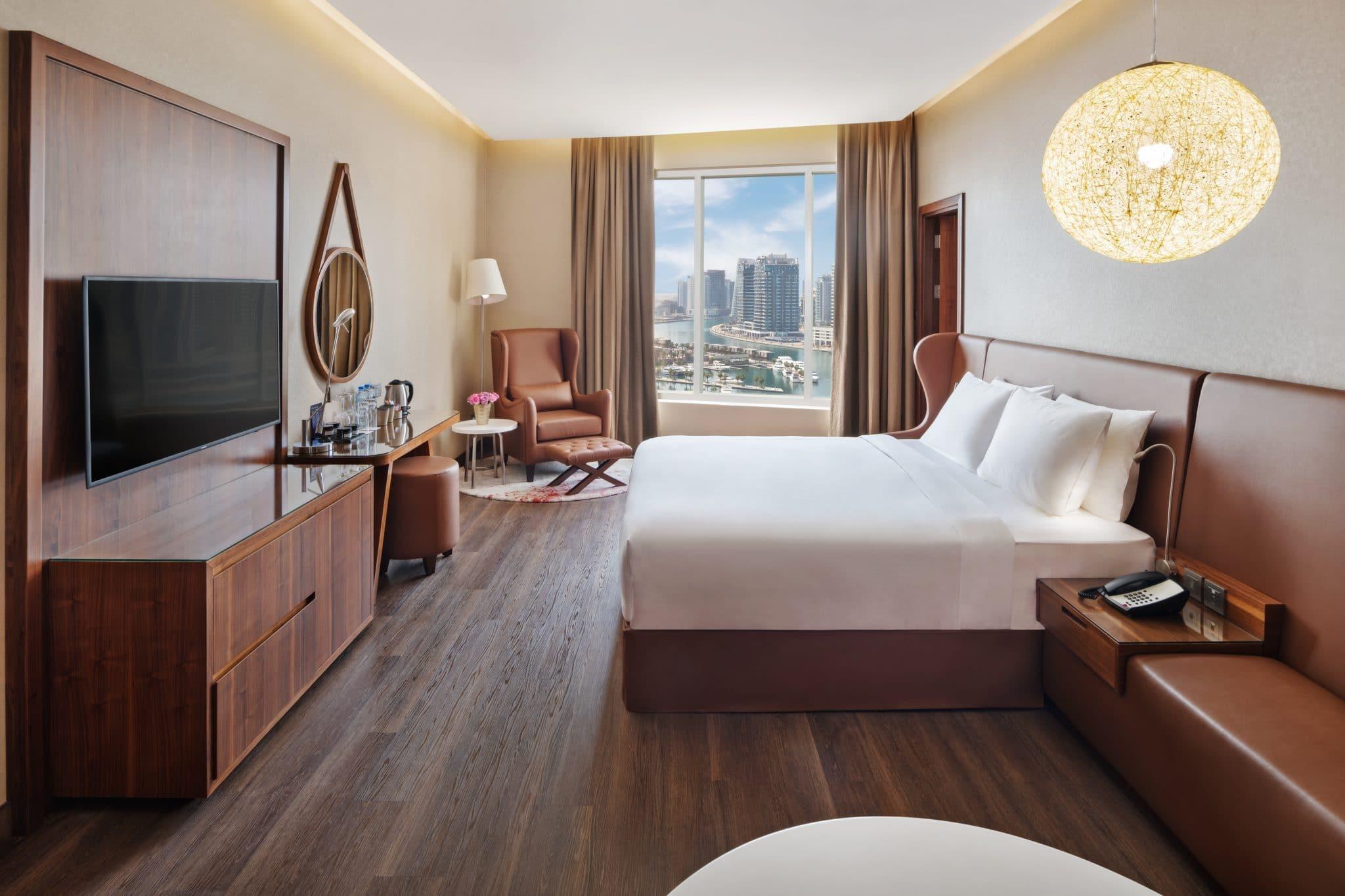 فندق راديسون بلو دبي كانال فيو