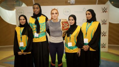 Photo of نجمة WWE بيكي لينش تزور مستشفى الجليلة التخصصي للأطفال