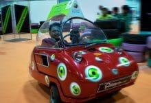 Photo of دبي تعرض أصغر سيارة يمكن قيادتها على الطرقات في العالم