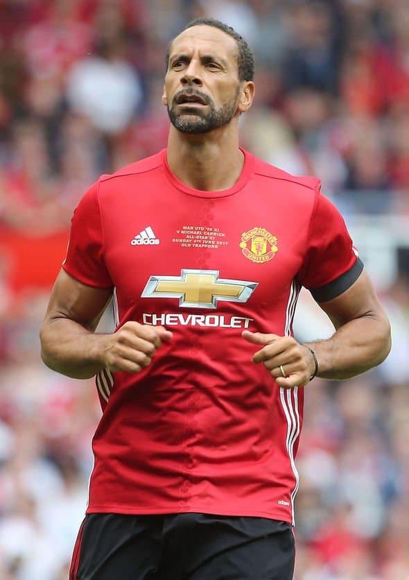 لاعب مانشستر يونايتد ريو فيرديناند في دبي