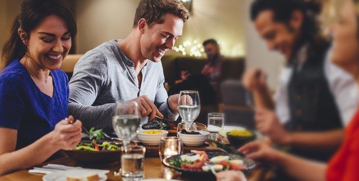 بوفيه عشاء شهي خلال رأس السنة 2020