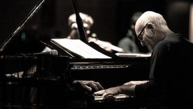 Photo of حفل عازف البيانو الإيطالي الشهير لودوفيكو إينودي في دبي خلال فبراير 2020