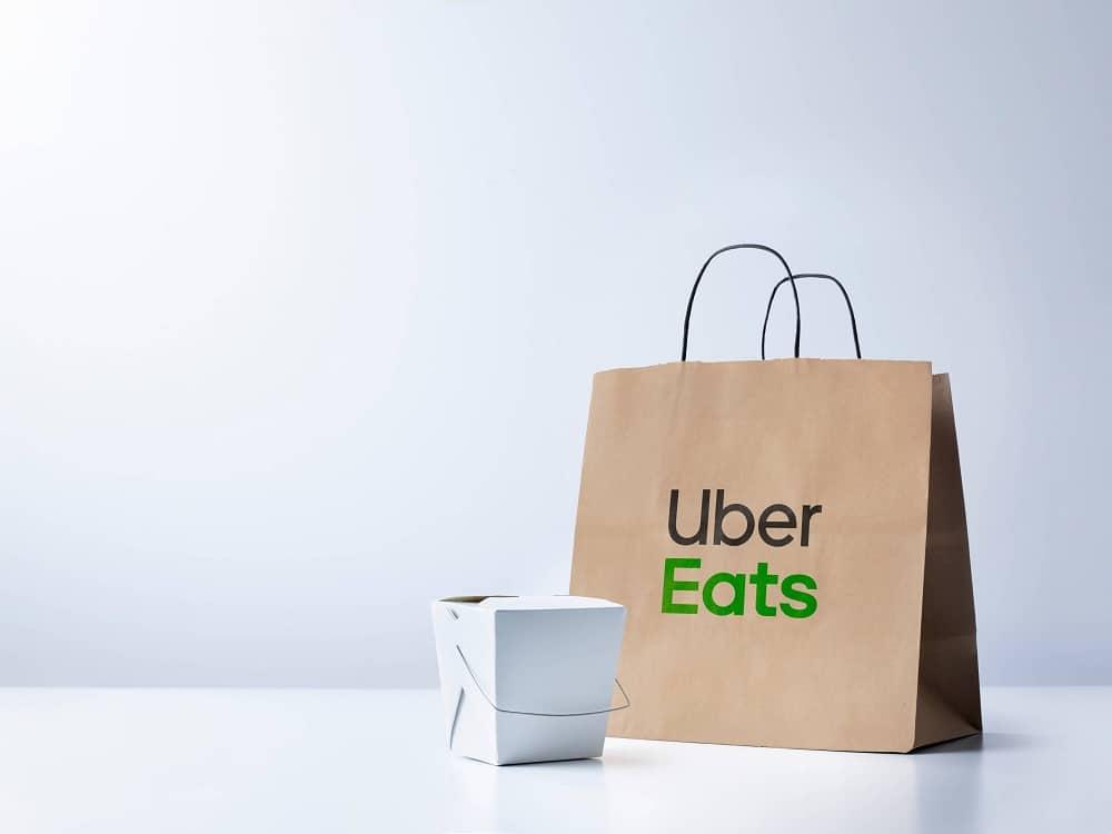 منصة توصيل وجبات الطعام Uber Eats
