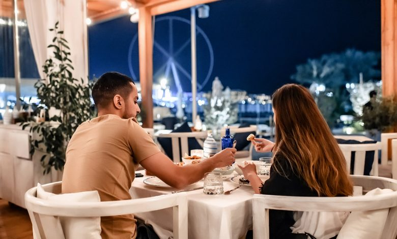 المطعم اليوناني أموس يقدم قائمة طعام مخصصة ليوم الحب 2020