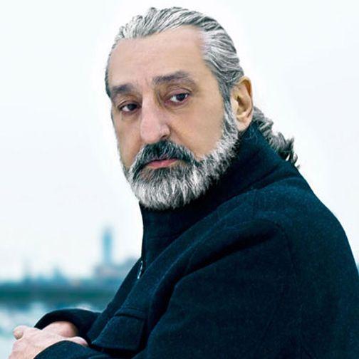 المغني الإيراني الشهير إيبي