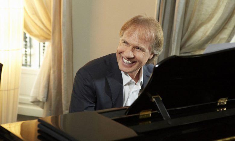 حفل عازف البيانو العالمي ريتشارد كلايدرمان في دبي خلال مارس 2020