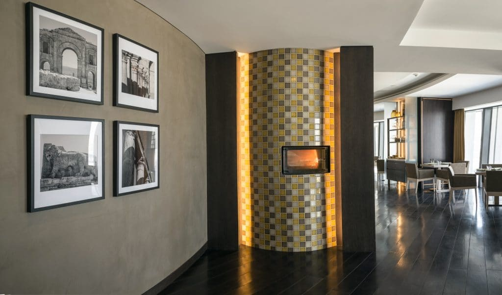 مطاعم فندق عمان روتانا