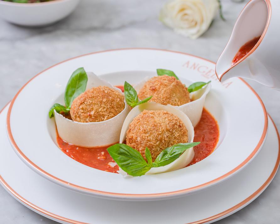 قائمة طعام جديدة في مطعم أنجلينا باريس