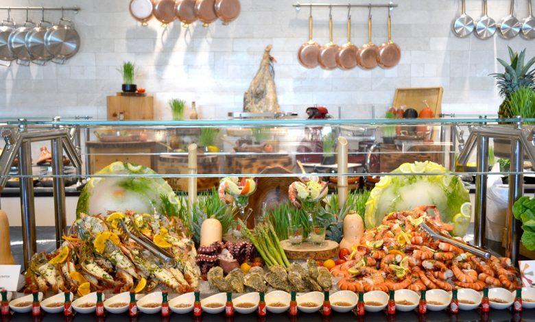 فندقسانت ريجيس أبوظبي يطلق برانش طعام فاخر في مطعمه ذا تيراس