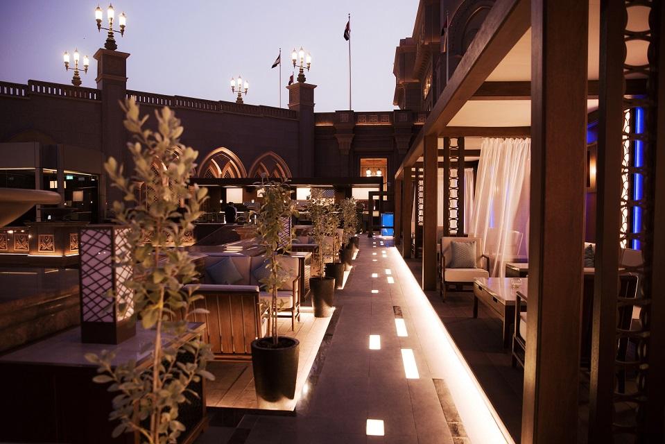 مطعم هاكاسان أبوظبي