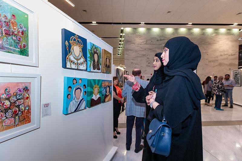 معرض فني خاص بالنساء