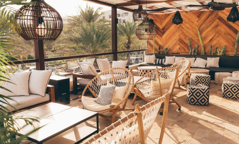 نظرة على لاونج شالا الشاطئي في بارك حياة أبوظبي